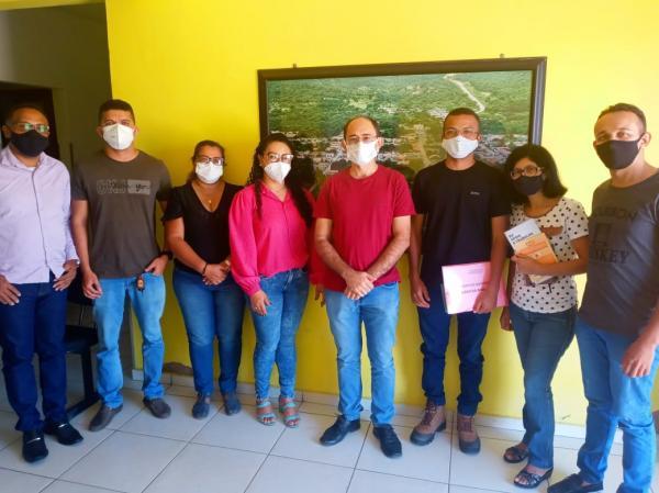 Prefeita de Francisco Ayres se reúne com equipe da Cáritas Oeiras